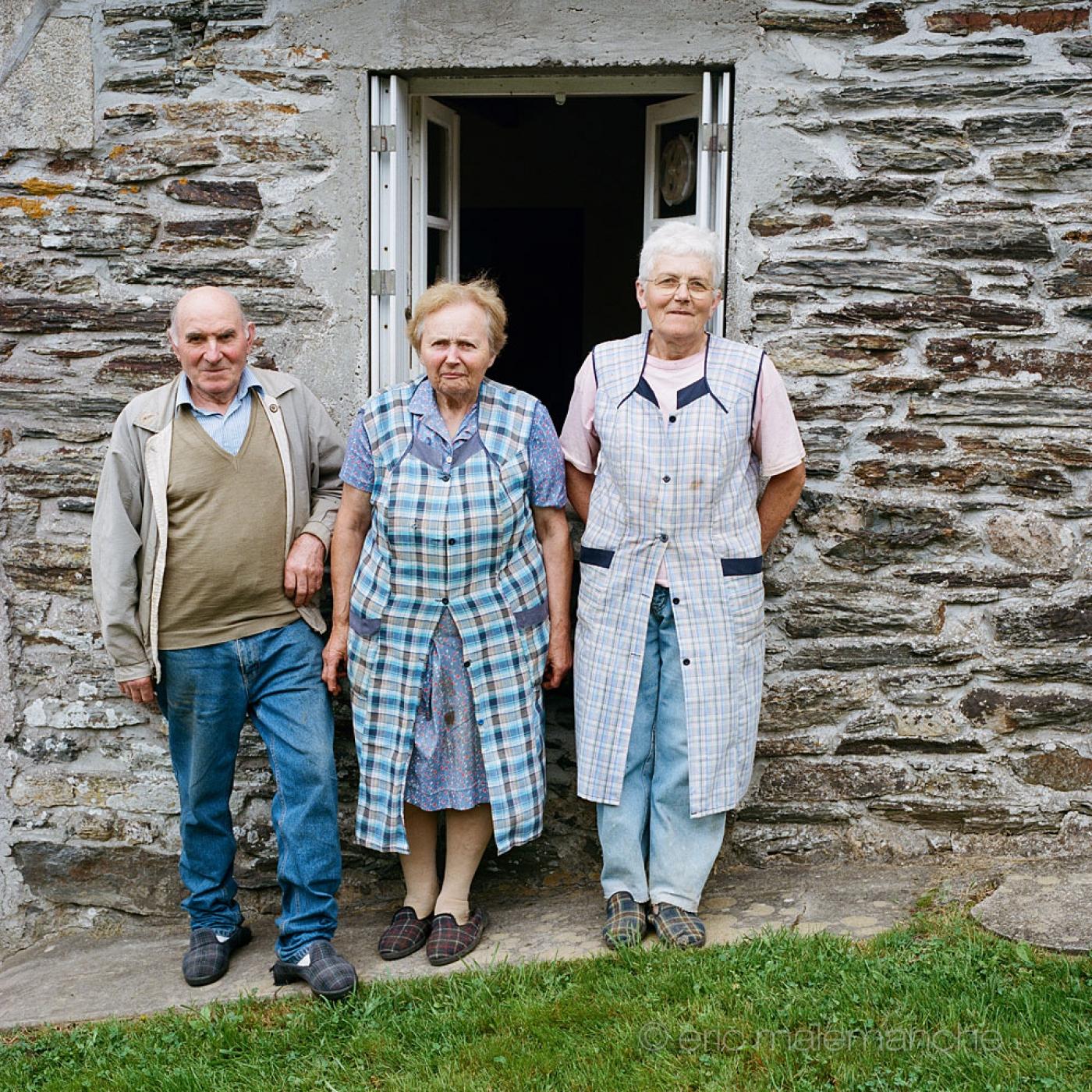 http://www.ericmalemanche.com/imagess/topics/les-bretons-de-l-argoat/liste/Bretons-Malemanche-005.jpg